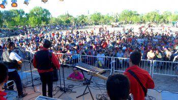 El Parque Norte desbordó de cipoleños en el festejo por el Día de la Madre.