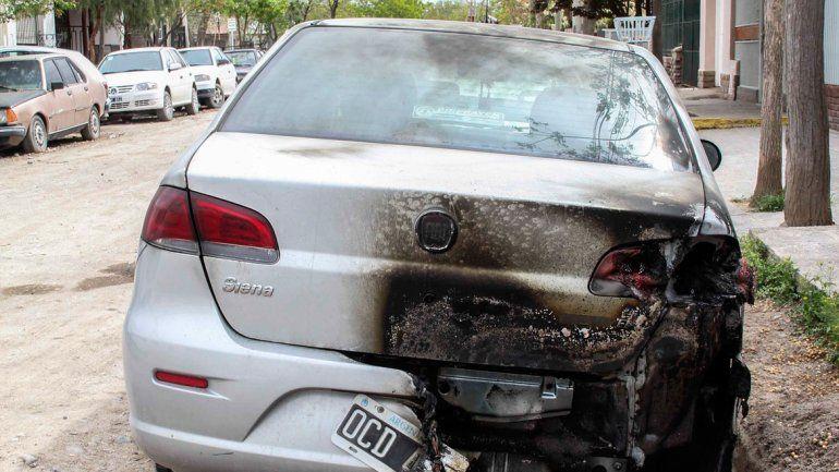 Varios autos fueron incendiados las últimas semanas en la ciudad.