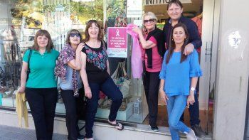 Se vistieron de rosa en apoyo a la lucha contra el cáncer de mama