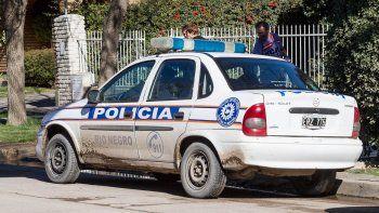 Salen a las casas a vender bonos para arreglar los patrulleros