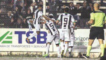 El Albinegro sumó tres puntos claves en La Visera y se tomó revancha de la derrota en Mar del Plata.