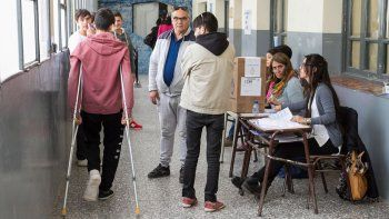 tras denuncia de dni trucho, norma pudo emitir su voto
