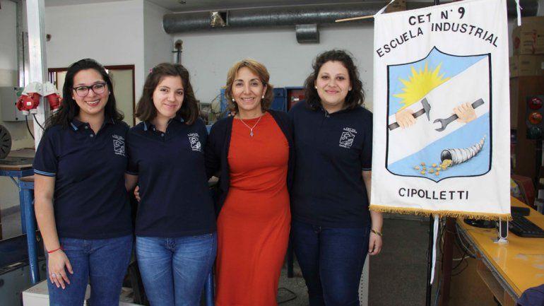 La pulsera antipánico fue ideada por tres alumnas del CET 9.
