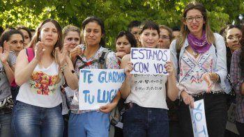 Rotundo apoyo para la estudiante de Medicina víctima de abuso