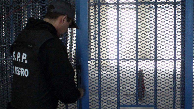 A los violadores ya no les abrirán la puerta de la celda antes de tiempo.