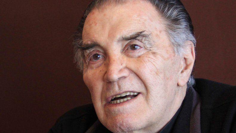 Néstor García es el dueño de la gaseosa local Interlagos.