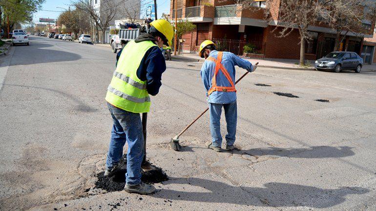 Los trabajadores municipales cobran sueldos bajos y son muy vulnerables al desgaste de la inflación.