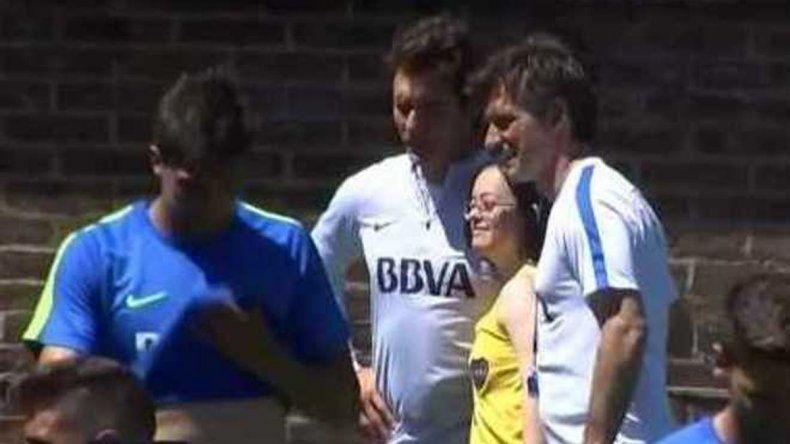 Los jugadores de Boca invitaron a una hincha rionegrina a la cancha y le cumplieron un sueño
