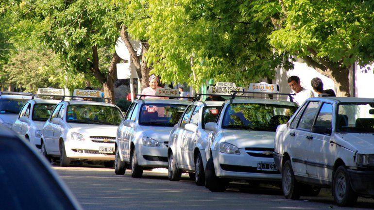 La Asociación de Titulares de Taxis quiere contar con seis meses para analizar las propuestas de la comuna.
