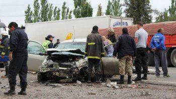 Un neuquino murió en un tremendo accidente sobre la Ruta Nacional 22