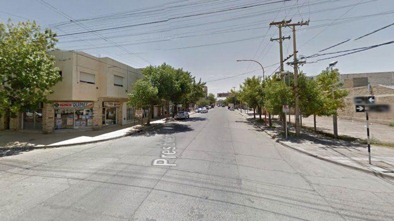 Un conductor sufrió un ataque, chocó a un auto y murió