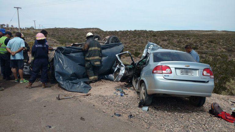 Un choque frontal en Cinco Saltos dejó un saldo de tres muertos
