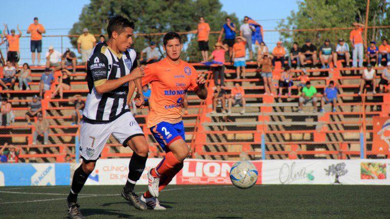 El Albinegro perdió 3 a 1 contra Roca en el Maiolino