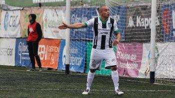 Damián Jara cumplió las fechas de suspensión y volvería en el Albinegro.