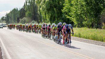 Vuelve el color del pelotón ciclístico a las rutas de la región del Alto Valle para el Gran Premio de la Vuelta.