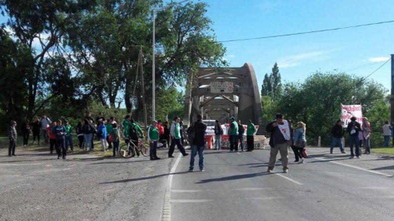 ATE amenaza con un nuevo corte en los puentes de la Ruta 22