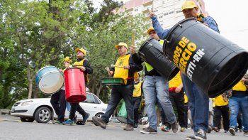 La Asociación de Empleados de Comercio de Cipolletti exige la reincorporación de los despedidos.