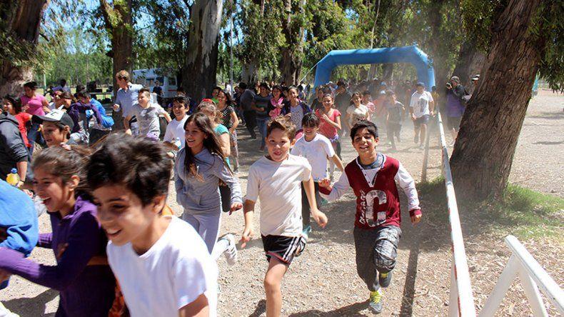 Cientos de chicos corrieron.