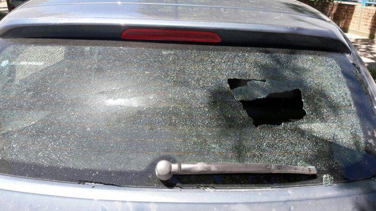 Desde Unter creen que punteros rompieron el auto de la secretaria general