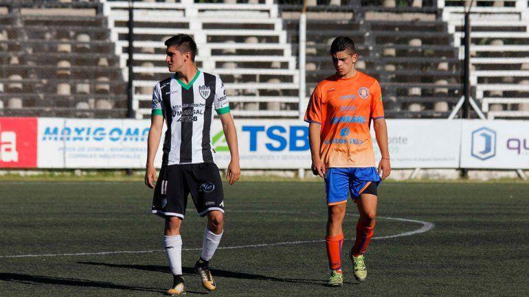 Del Prete fue titular en la Liga e hizo tres goles en el clásico ante Roca.