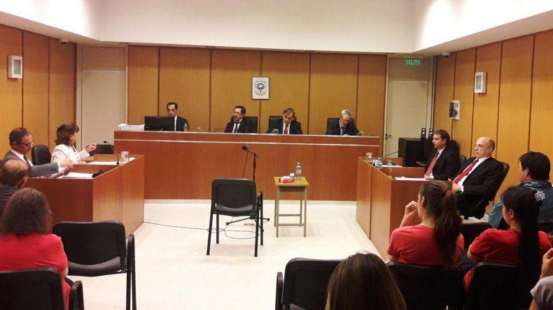 El tribunal dio por probada la coautoría en el crimen del comerciante allense.