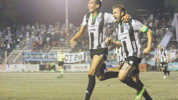 Morán le marcó a Deportivo Madryn sobre el cierre del partido y Vilce lo hizo ante Alvarado, el martes.