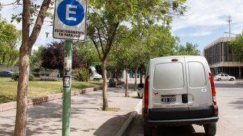 El Municipio ya está señalizando las calles para el nuevo sistema, que comenzará a regir el lunes y se utilizará con el estacionamiento pago.