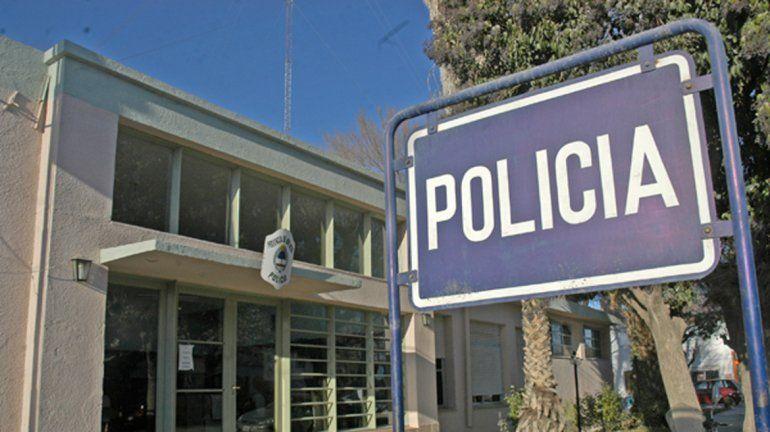 Violento robo a una familia de Cinco Saltos: los amenazaron con vidrios