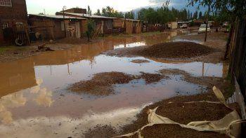 la intensa lluvia volvio a causar estragos en el barrio obrero