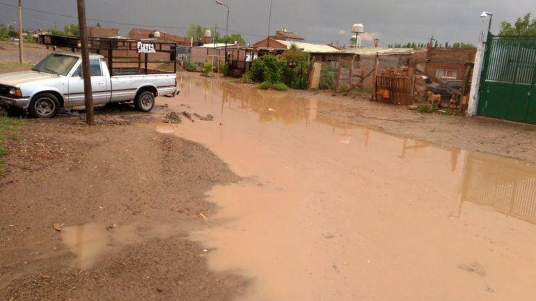 Con la lluvia del domingo volvió el miedo en los barrios cipoleños