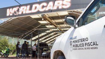 Uno de los allanamientos se llevó a cabo en un local comercial ubicado en la calle Toschi.