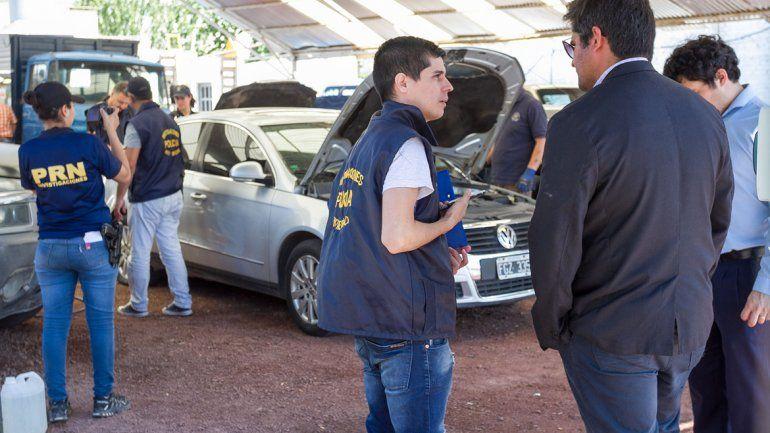 Los procedimientos encabezados por la Brigada de Investigaciones de Cipolletti y el fiscal Guillermo Merlo generaron un gran despliegue.
