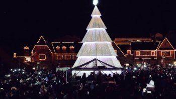 bariloche prendio las luces del arbol de navidad gigante