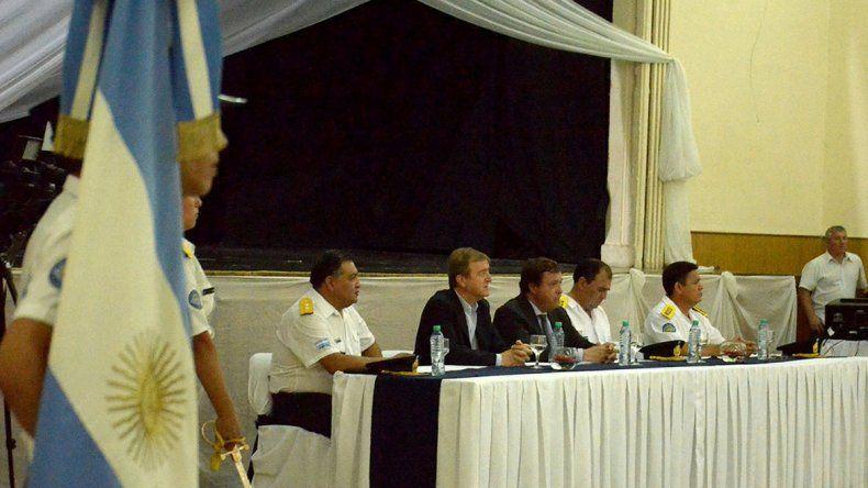 El gobernador Weretilneck encabezó el acto en el Círculo Italiano.