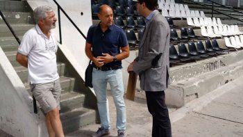 Duilio Botella vivió horas intensas en su breve paso por la ciudad, donde firmó contrato y regresó a Tandil.