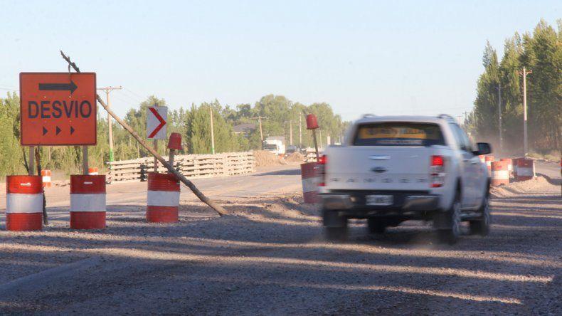 El corte en la ruta será por la obra del puente de ingreso a Fernández Oro.
