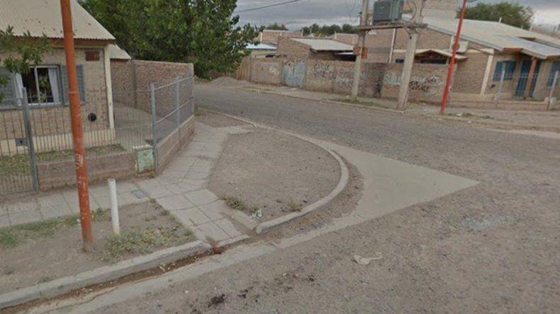 Vecinos le quemaron el auto a una familia conflictiva del Anai Mapu