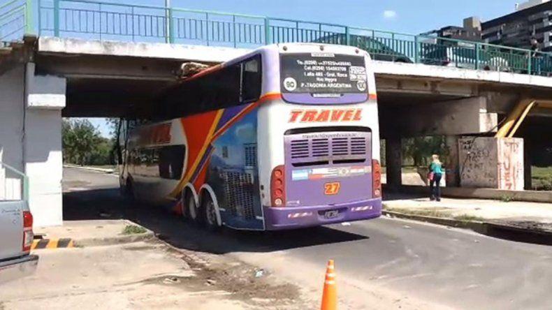 Jugadores del Deportivo Roca heridos tras un insólito accidente