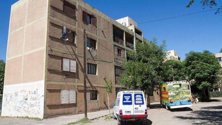 Comprobaron cómo murió el joven que cayó de un tercer piso en las 200 viviendas