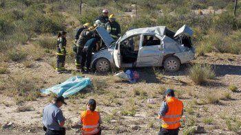 Un hombre de Fernández Oro murió tras un vuelco sobre la Ruta 23