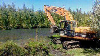 El DPA realizará un terraplén para desviar el agua hacia la zona elegida.