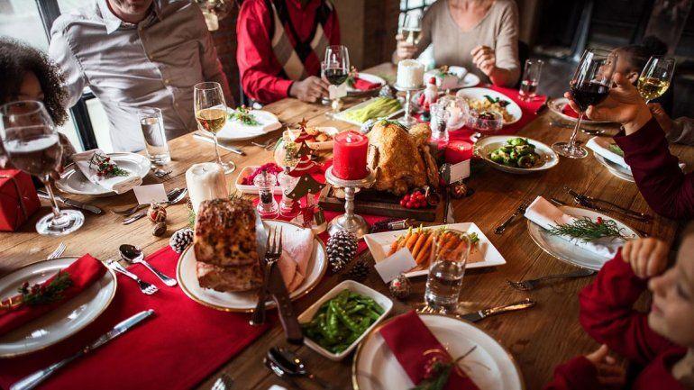 Ojo con la comida: aumentaron las indigestiones por exceso de alimentos