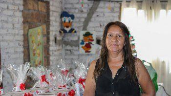 Rosa, una vecina solidaria que fundó un comedor para ayudar a cambiar la realidad de los pibes del barrio.