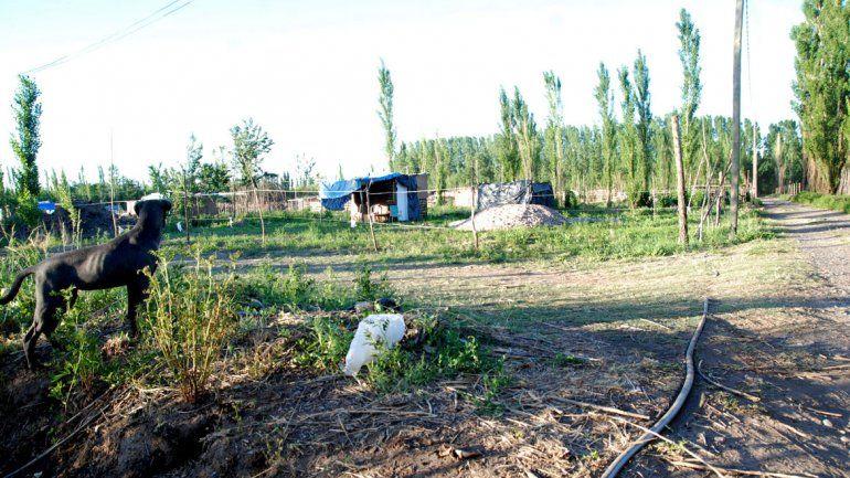 El asentamiento queda cerca del paraje Lalor. Muchos vecinos aseguran que les cobraron los lotes por la fuerza.