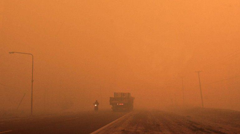 Ruta 151 rodeada de incendios el día del Temporal de viento que azotó al Alto Valle.