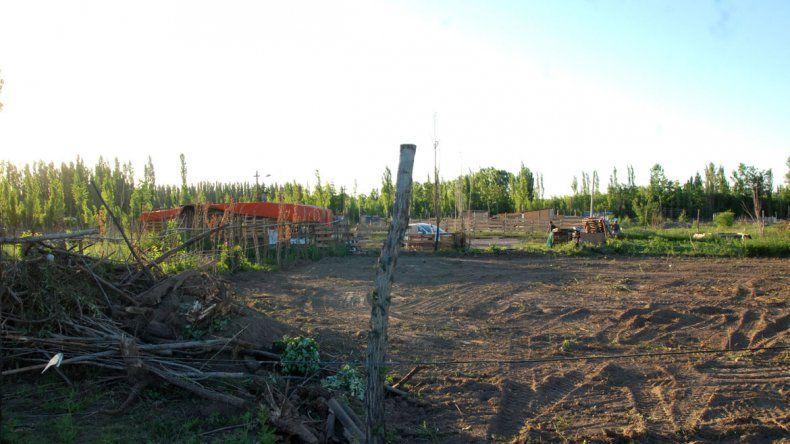 La toma La Cascada está ubicada en cercanías del paraje Lalor.