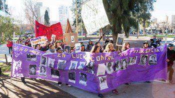 En las movilizaciones realizadas en Cipolletti, el reclamo en relación con violadores y abusadores es que cumplan las penas tras las rejas.