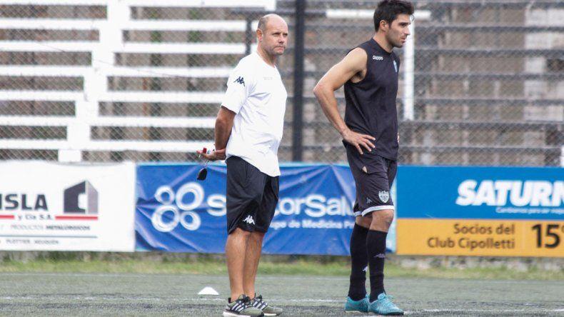 Medina negó tener dolencias y aseguró que salió por una decisión del técnico Botella.