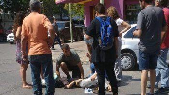 otro accidente en pleno centro: doblo en una esquina sin mirar y atropello a un peaton