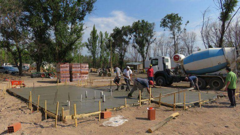 Ya se están haciendo las bases y están los materiales para las paredes. La Provincia estima una inversión superior a los 7 millones de pesos.